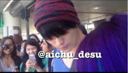 JYJ members have arrived in Los Angeles Update #1
